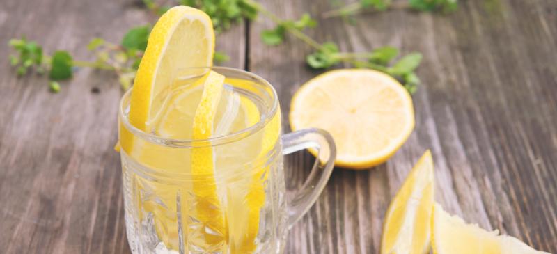 9 gėrimai norintiems atsikratyti svorio ir sudeginti riebalų Sveiki svorio metimo gėrimai