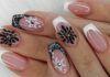 Manikiūras žiemai: stilingos ir originalios snaigės ant jūsų nagų!