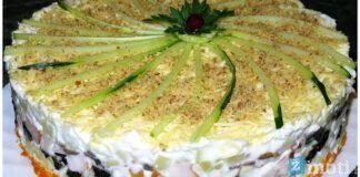 Vištienos salotos su slyvomis ir grybais. Sočios vakarienės pasirinkimas