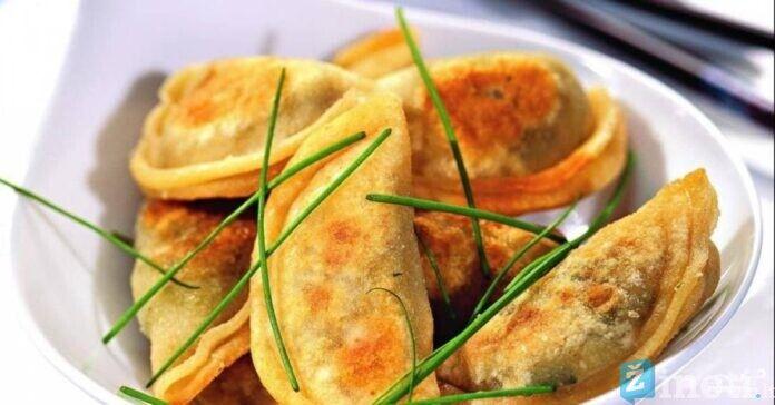 Kepti koldūnai su bulvėmis ir sūriu. Greitas ir skanus patiekalas