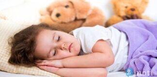 Ar žinote, kiek laiko turėtų miegoti vaikai? Pasidomėkite