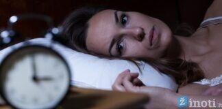 Sužinokite, kodėl kartais naktimis nubundame tuo pačiu laiku