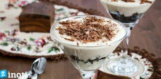 Slyvos, grietinė ir graikiniai riešutai - puikus desertas, paragaukite!