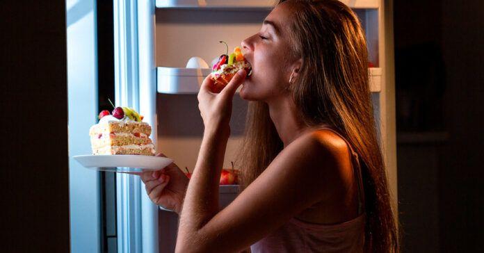"""Valgykite naktį, jei norite numesti svorio: 5 """"saugūs"""" maisto produktai"""