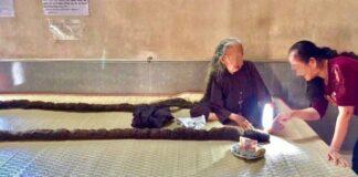 83 metų vietnamietis per 64 metus nė karto nesikirpo savo plaukų