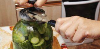 Nepaprastai skanūs marinuoti agurkai. Iki žiemos gali ir nelikti!