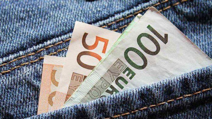 Ką reikia nešiotis kišenėje, kad visada turėtumėte pinigų?