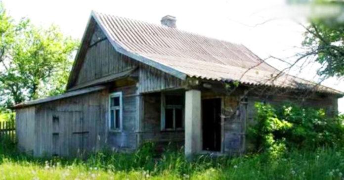 Jauna šeima kaime nusipirko seną namą ir jį atstatė