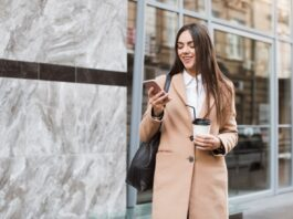 6 dalykai, kuriuos kiekviena stilinga moteris turėtų turėti drabužių spintoje