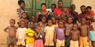 Kodėl vaisingiausia pasaulio moteris, turinti 44 vaikus, nusprendė nebegimdyti?
