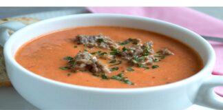 Skani vakarienė per pusvalandį: pomidorų sriuba su malta mėsa