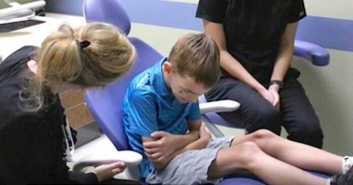Tėvai galvojo, kad jų šešiametis vaikas negali kalbėti. Laimei, odontologas atskleidė tiesą!