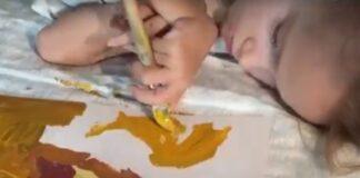 Dešimtmetė mergaitė vos pajuda, tačiau sukuria nuostabiausius meno kūrinius!
