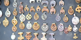 Kokių metalų amuletai saugos sveikatą 2021 metais?