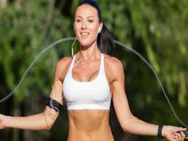 5 pratimai, kurie padės sudeginti riebalus greičiau nei bėgiojant
