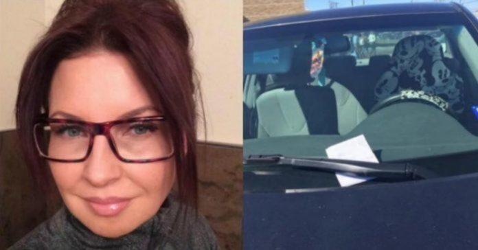 Moteris nakčiai paliko automobilį aikštelėje. Kitą dieną ji rado laišką