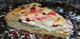 Trapios tešlos pyragas su vaisiais ir kremu