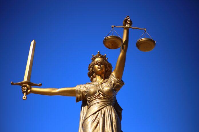 teismas temidė teisingumas