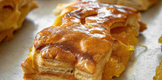 Graikiškas obuolių pyragas. Tradicinis šalies desertas