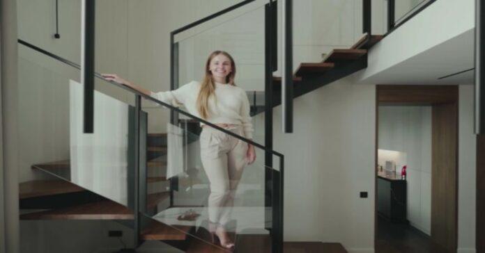 Jauna moteris aprodė savo mažą aštuonių kvadratinių metrų butą