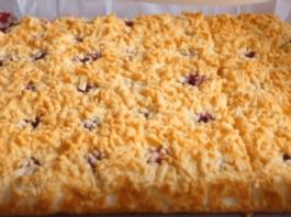 Norėsite jį kepti kasdien: neprilygstamo skonio pyragas su grietininiu kremu