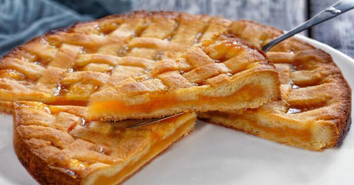 Abrikosų pyragas, kuris puikiai tiks prie arbatos. Paragaukite!
