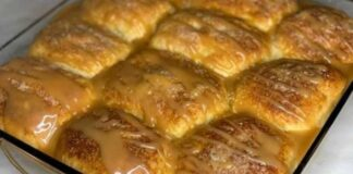 Purus obuolių pyragas su karamelės įdaru