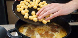 Skani ir labai sveika vištienos sriuba su sūrio rutuliukais