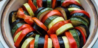 """Žymusis daržovių troškinys """"Ratatouille"""" patiks net išrankiausiems"""