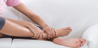 Kodėl moterų kojos ištinsta? Pristatome galimas priežastis
